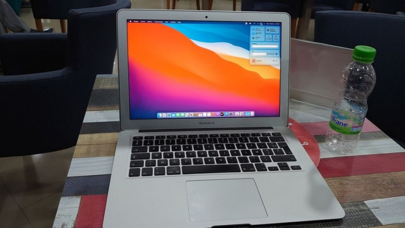 MacBook air comme neuf photo 2